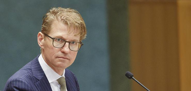 Stelselherziening rechtsbijstand: Dekker rapporteert aan Kamer, NOvA stopt met rechtshulppakketten
